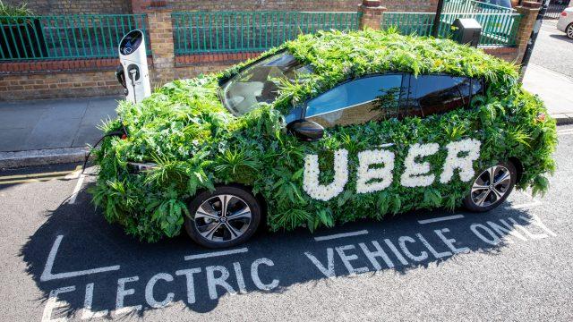 Londra sempre più Green, accordo Uber-Nissan per 2000 nuove auto elettriche nella City