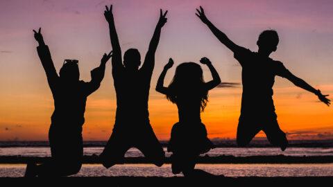 Per l'International Day of Friendship ideaMAG vi propone 10 itinerari italiani per un viaggio da organizzare in comitiva!